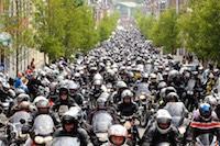 18e Bénédiction des Motards à Béthune. Ils étaient environ 4000 au départ de Béthune, face à la gare.<br />PHOTO JOHAN BEN AZZOUZ / LA VOIX DU NORD