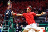 Le suisse Roger Federer battu par le fran�ais Ga�l Monfils au Stade Pierre Mauroy. PHOTO JOHAN BEN AZZOUZ LA VOIX DU NORD.<br />PHOTO JOHAN BEN AZZOUZ / LA VOIX DU NORD