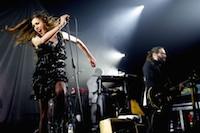 L'�nergique chanteuse carcassonaise Olivia Ruiz �tait de passage au PACBO dans le cadre de sa tourn�e <i>Le Calme Et La Temp�te</i>.<br />PHOTO JOHAN BEN AZZOUZ / LA VOIX DU NORD