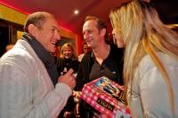 Dany Boon et son �quipe �taient au Gaumont de valenciennes dans le cadre de la tourn�e d'avant-premi�res pour le film Rien � D�clarer.<br />PHOTO JOHAN BEN AZZOUZ / LA VOIX DU NORD