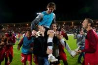 Pour le dernier match de la saison de Ligue1 face à Nice, et surtout pour le dernier match de championnat dans l'ancien stade Nungesser, les Valenciennois ont clôturé 81 ans d'histoire avec une magnifique victoire et beaucoup d'émotions !<br />PHOTO JOHAN BEN AZZOUZ / LA VOIX DU NORD
