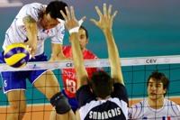 Samuele Tuia et l'équipe de France ont battu facilement la Grèce 3 à 0.<br />PHOTO JOHAN BEN AZZOUZ / LA VOIX DU NORD