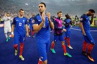 L'�norme d�ception d'Adil Rami et des bleus apr�s la d�faite face au Portugal au stade de France pour la finale de l'EURO de football.<br />PHOTO JOHAN BEN AZZOUZ / LA VOIX DU NORD