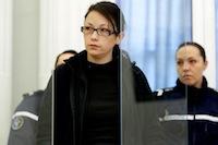 L'accusée et mère de Typhaine, Anne-Sophie Faucheur, lors du troisième jour du procès de la mère et du beau-père de Typhaine devant la cour d'assises du Nord.<br />PHOTO JOHAN BEN AZZOUZ / LA VOIX DU NORD